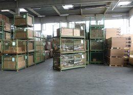 Warenausgang: Gestapelte Gitterboxen für den Versand, Verpackungs- und Logistikdienstleister ad laborem gGmbH